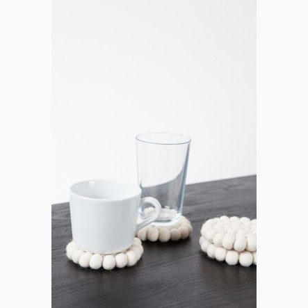 myfelt Glass Coaster, round, made of white felt balls, Ø 9 cm