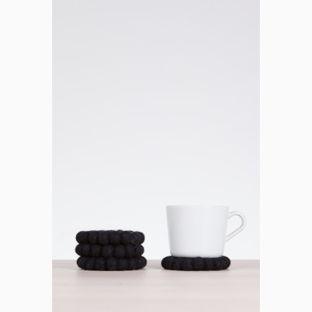 myfelt Glass Coaster, round, made of black felt balls, Ø 9 cm